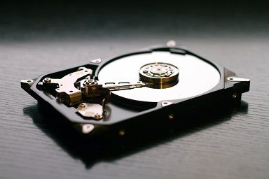 HDDを内蔵SATAに繋げると問題ないけど外付けにするとフォーマットもできない・・・