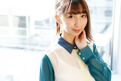 飯田里穂とか言う声優活動し始めてから胸を出さなくなった声優wwwwwww