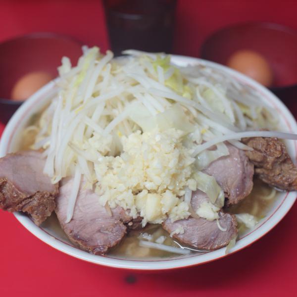 ラーメン二郎 千住大橋駅前店 天地返して麺啜る。ウッメェェェッ!!この麺、神話級ッ!