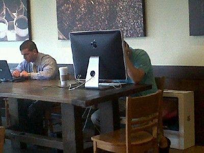「スタバでMacBook開いてドヤ顔」の反対って何?
