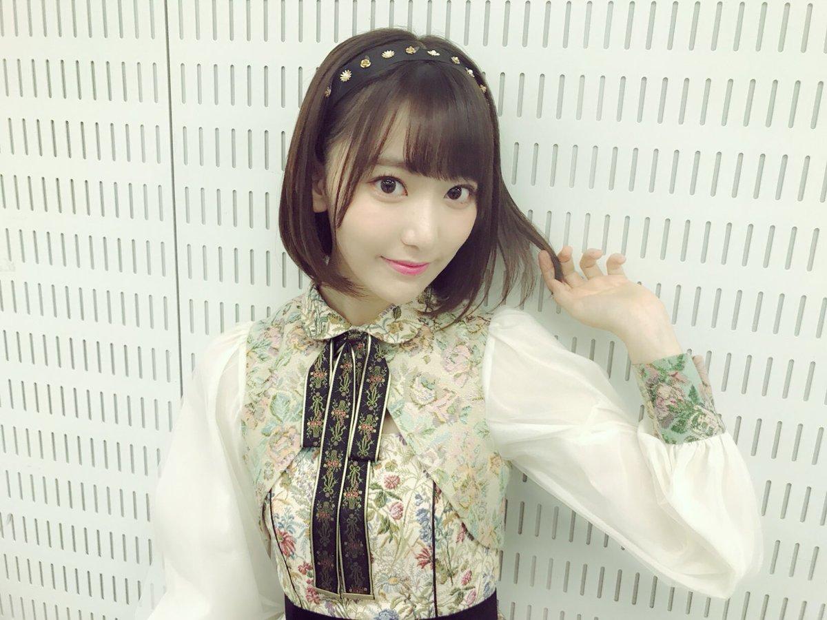 【画像あり】写メ会での宮脇咲良(19)の制服姿が可愛すぎるwwwwww