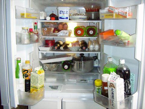 冷蔵庫を弱にしてるのに物が凍るんやが…