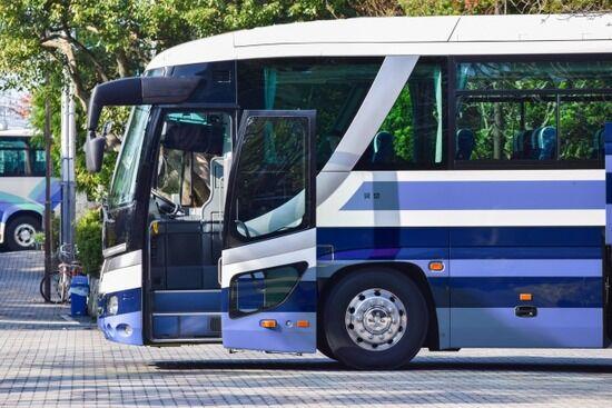 新型コロナ感染判明後に東京〜福岡を高速バスで移動した東京地検20代事務官、怒られて辞職