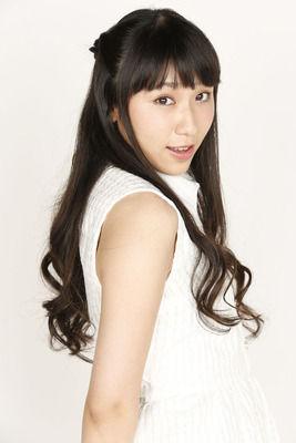 【悲報】声優の小見川千明さん、顔◎スタイル◎声◎なのに人気が出ない