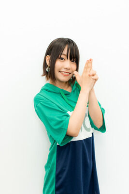 【悲報】声優の本渡楓さん、顔×声◎演技△身体×なのにイマイチ人気が出ない