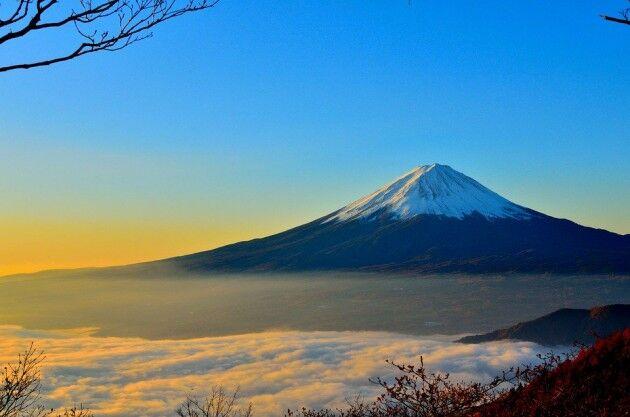 富士山の山頂にあるもの