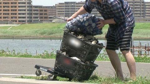 「潮干狩り」 知った中国人観光客ら、海岸に殺到 カキを取り尽くし、殻をポイ捨て