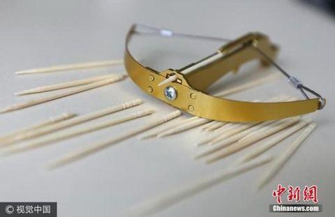 【危険】爪楊枝を飛ばすクロスボウが中国の子供たちの間で爆発的大流行!