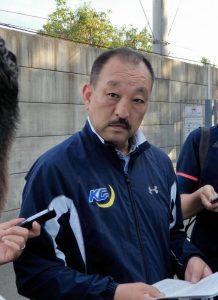 関学大・鳥内監督神妙 日大当該選手の競技引退発言に「かわいそう」