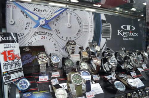 僕「この時計くだちゃい!!!!!」 ヨドバシ「はい、今包みます」ショーケースガラガラ アブラシモンベター