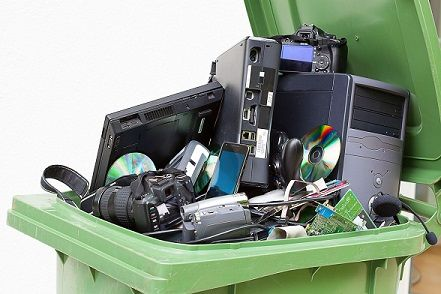 冗談抜きでデスクトップPC買うやつアホか?処分するとき面倒やん