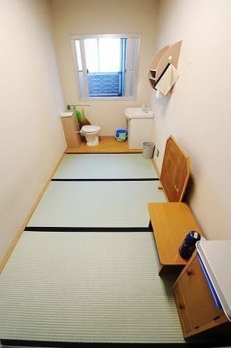 【画像】カルロス・ゴーンの部屋すごwwwwww