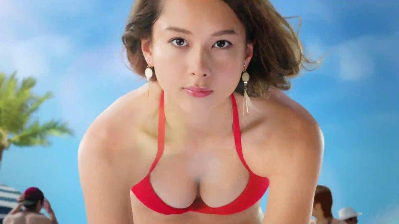 """【画像】Niki:""""テラハNo.1美女""""が「ヤンジャン」で初グラビアでビキニに!!"""