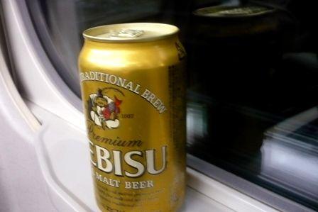 新幹線が発車するまで缶ビールを開けてはいけないという暗黙の了解
