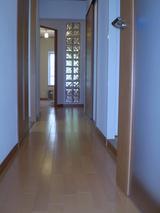 廊下からホール