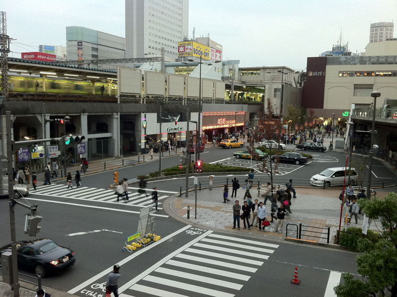 AKB48 cafe & shop となりはガンダムカフェ