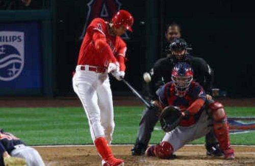 【大記録】エンゼルス・大谷翔平選手が2打席連続ホームランで2桁本塁打&2勝以上達成!ベーブ・ルース以来97年ぶりの記録に