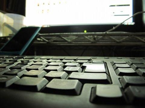 未だにパソコンでネットサーフィンしてる奴wwwwww