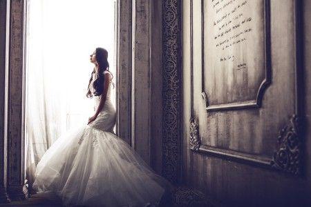 【そんな!?】結婚式当日、知らない男が怒鳴りながら乱入してきた→男「訴えるぞ!」俺「はぁ?」新婦「だってもう一回ウエディングドレス着たいんだもん!」俺「えっ…」→実は・・・