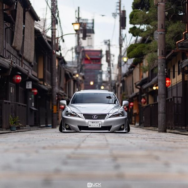 【画像】「俺の車さ。控えめに言ってクソかっこよくない?」…ツイッターのレクサス画像が話題に