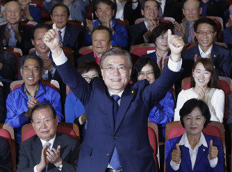 【韓国】文在寅のデタラメ政策にコンビニ店主悲鳴…「最低賃金をまた引き上げるのは、みんな一緒に死ねと言っているようなもの」