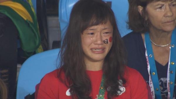 優勝にブーイング      大坂に野次も 涙の謝罪で変化