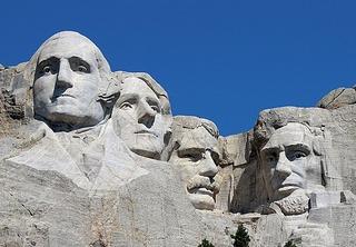 525px-Mount_Rushmore_Closeup_2017