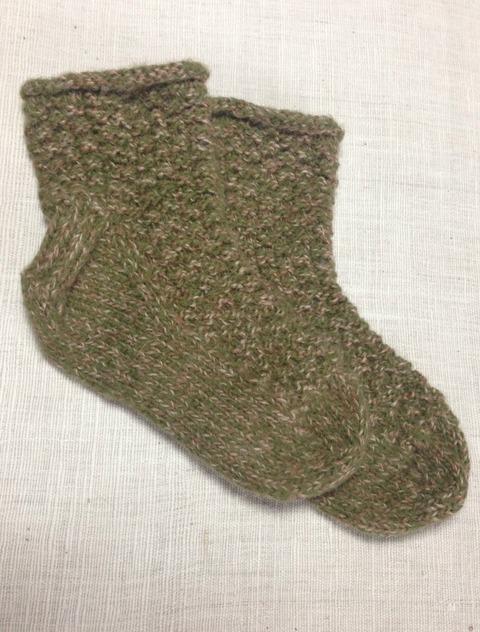 深緑と茶色の手編み靴下アルパカ100%