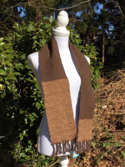 茶色バイカラーの手紡ぎヤク83%アルパカ17%マフラー