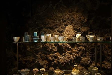 陶器棚左上段