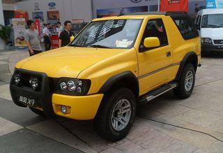 800px-Landwind_X9_01_Auto_Chongqing_2012-06-07