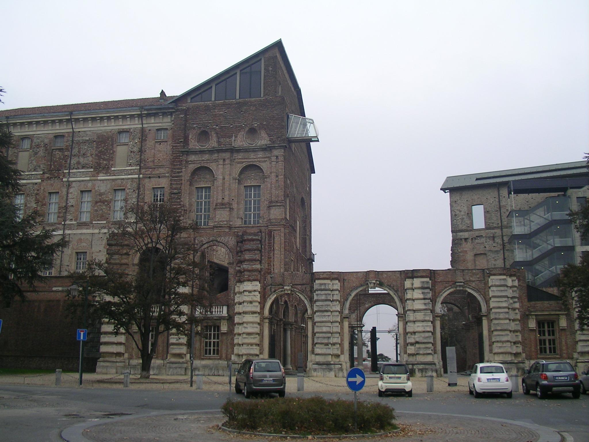 リーヴォリ城1