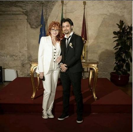 ベテラン女性歌手フィオレッラ・マンノイア、26歳年下男性と電撃結婚!