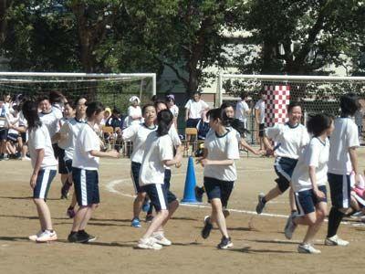 017_第39回体育大会_4×100mR・予選(女子)-01