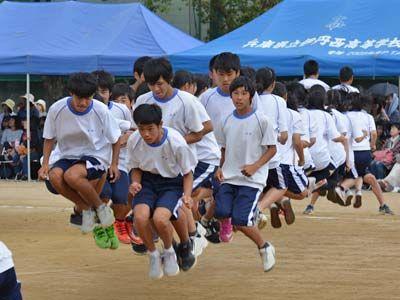 077_第39回体育大会_みんなでジャンプ03
