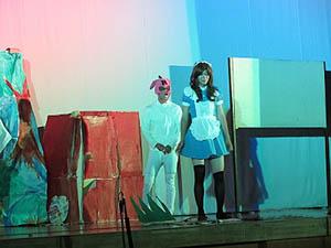 3年9組『不思議な国のアリス〜Alice in Wonder land』