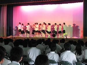 2年7組『みんなでダンス』