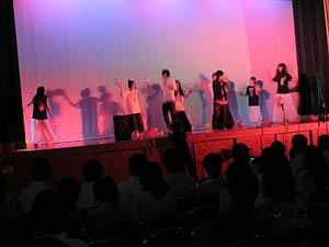 3年7組『ファッションショー・ダンス』