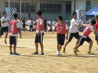 022_第39回体育大会_4×200mR・予選(男子)-03