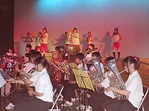 吹奏楽部と先生方の共演
