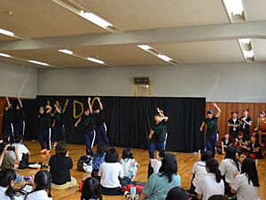 039_ダンス同好会 演技発表(剣道場)