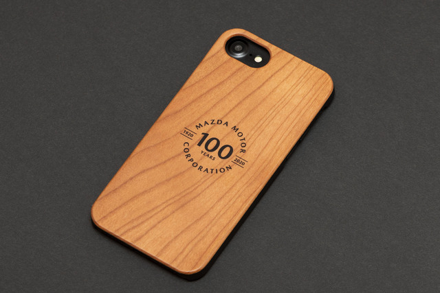 「マツダ100th Anniv. Wood iPhoneケース」02