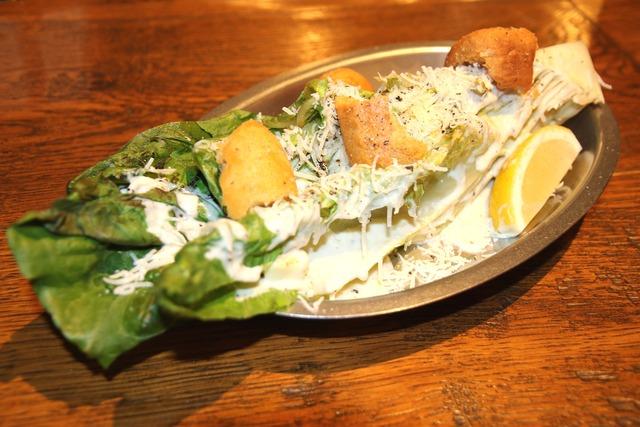 グリルレタスのシーザーサラダ