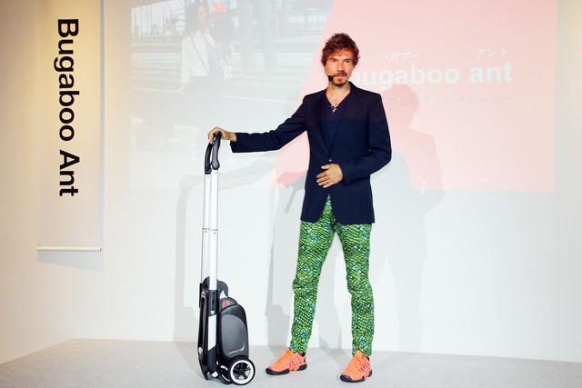 トローリーモードでは、スーツケースのように手軽に持ち運びができる