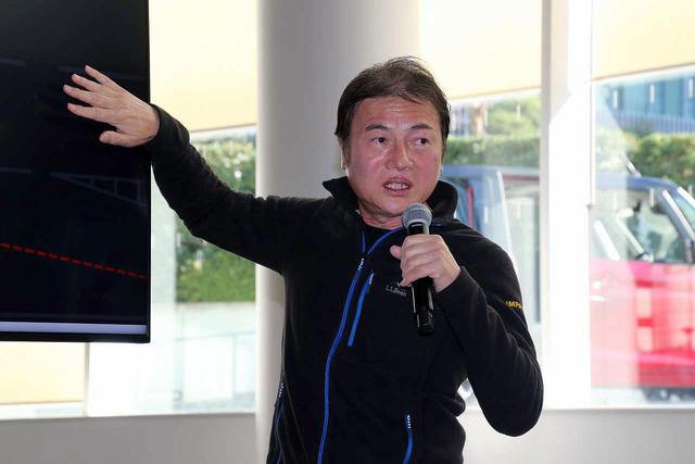 佐藤講師は運転指導のスペシャリストだ。