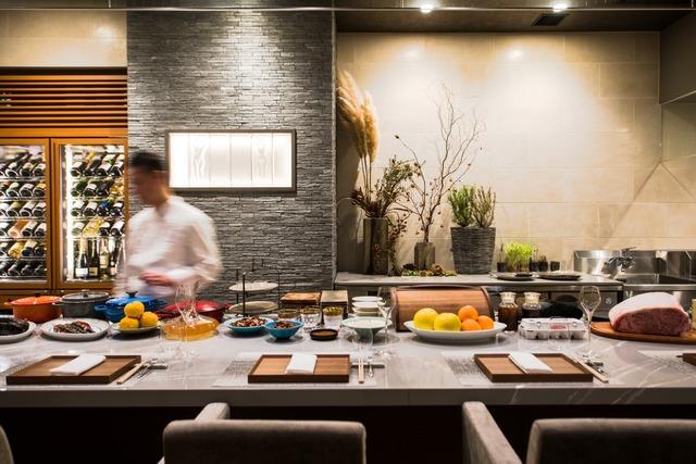 フレンチレストラン「à nu Shohei Shimono」