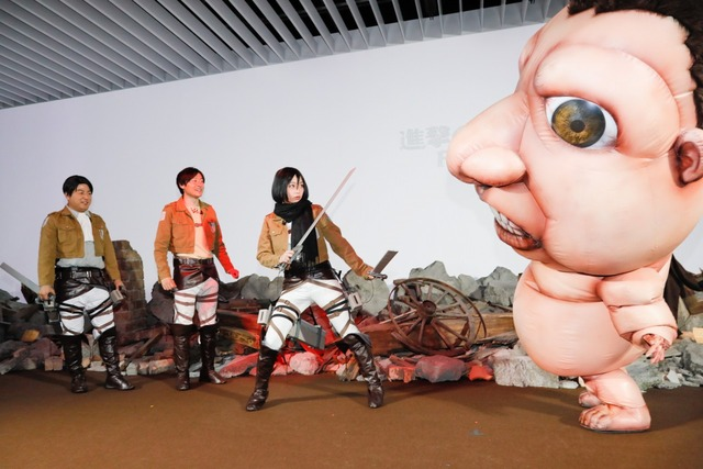 ミカサ役の宇垣さんがミニ巨人を駆逐し、見事に二人を救出した