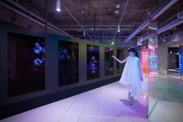 Ginza Sony Park_#012AiA_Awakening_サイズ変更