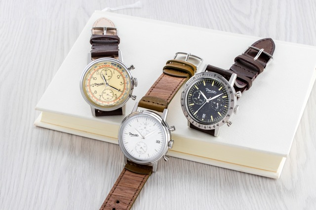 木の香りが楽しめる腕時計02