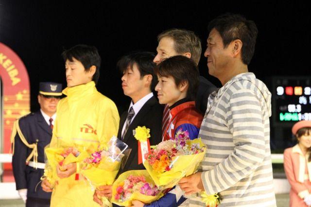アドビ システムズ、プレス向けイベントを東京シティ競馬で開催